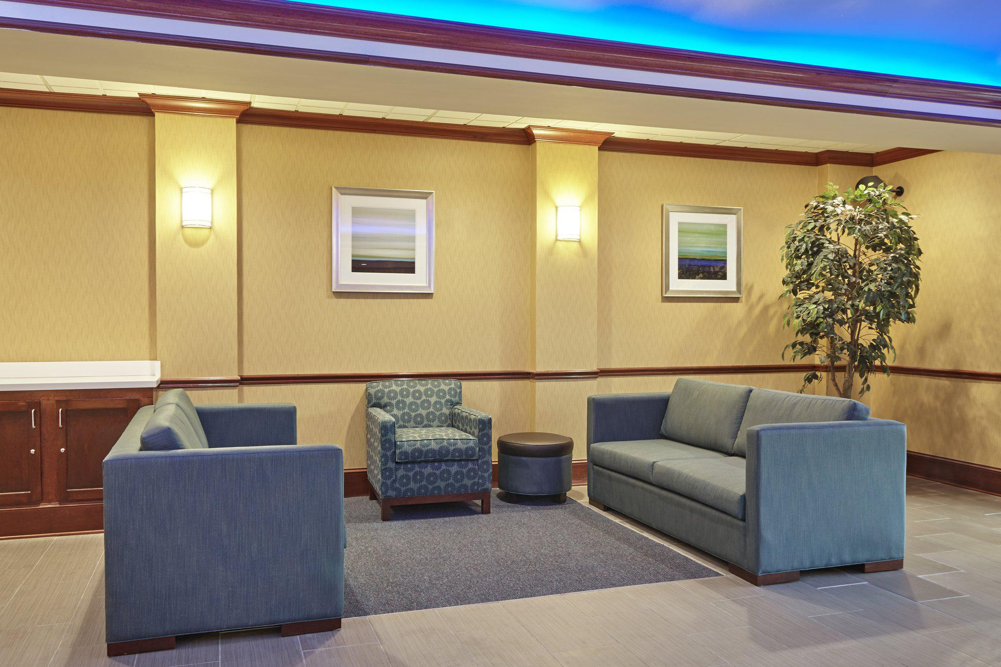 Holiday Inn Express & Suites Grand Rapids - South in Grand Rapids, MI, photo #26