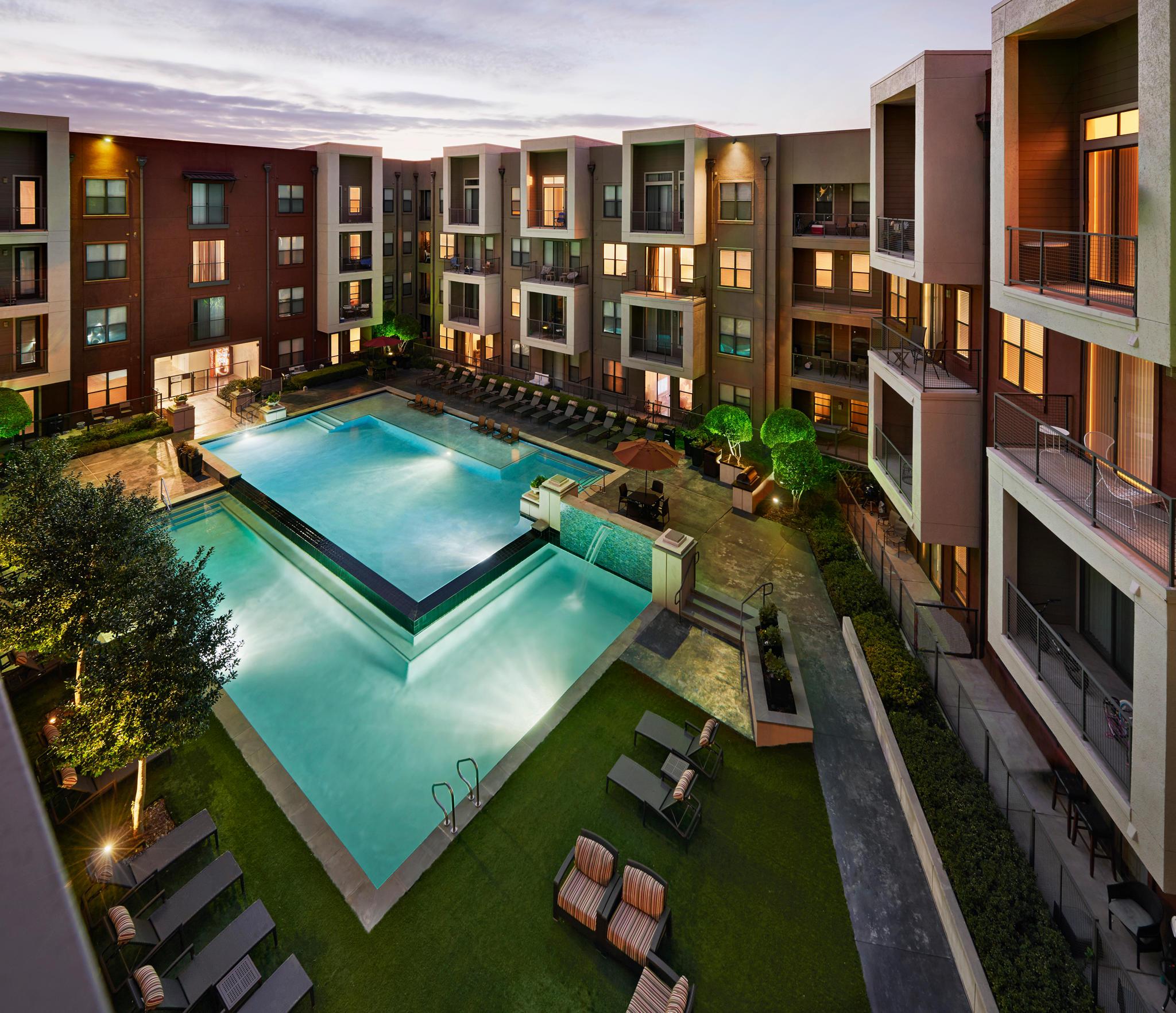 Camden Design District Apartments image 11