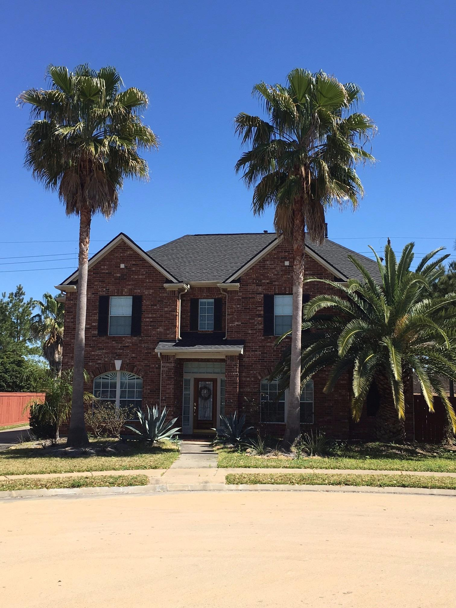 Houston Roofing & Construction image 6