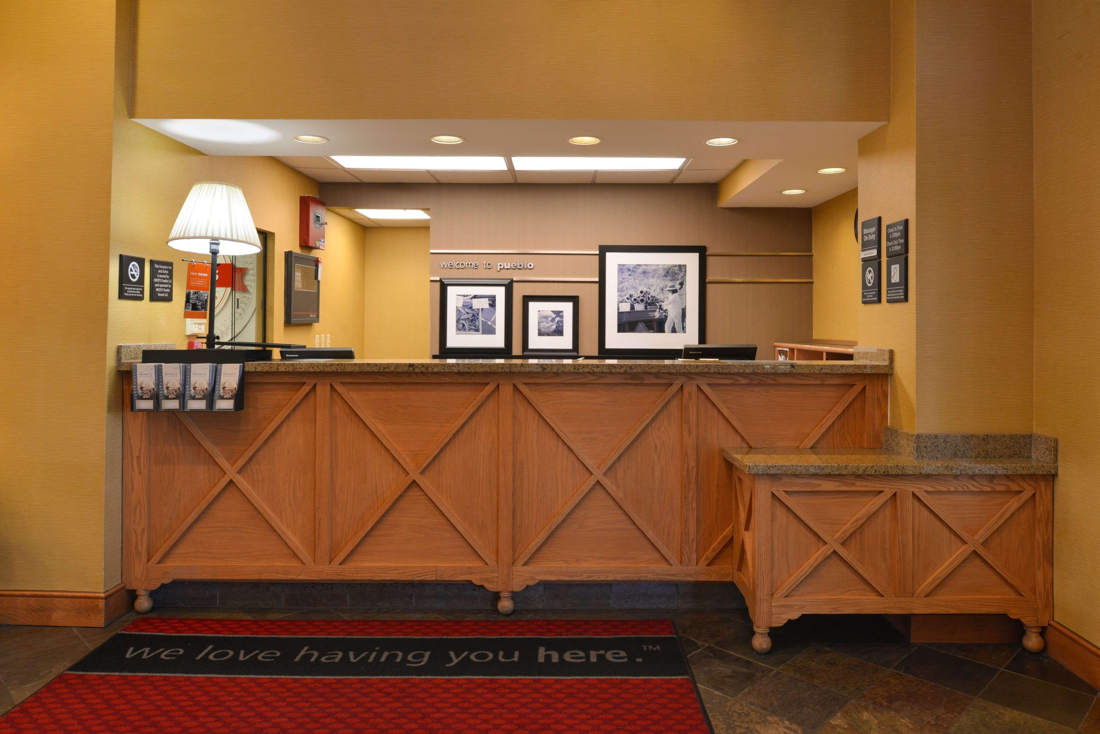Hampton Inn & Suites Pueblo-Southgate image 4