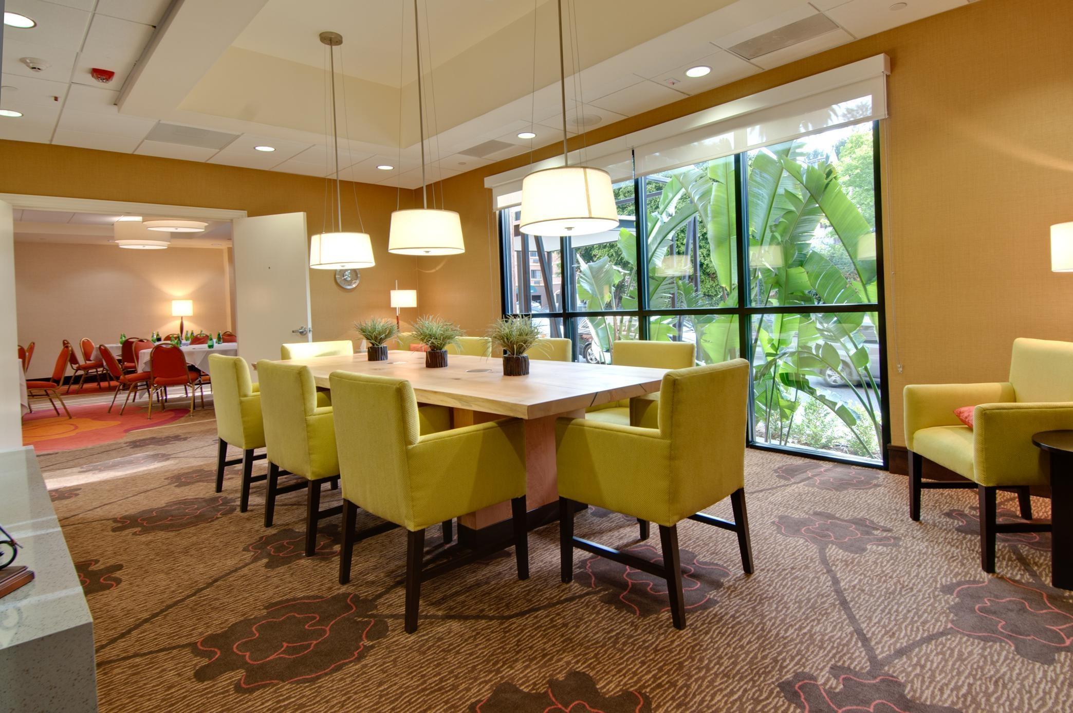 Hilton Garden Inn Los Angeles/Hollywood image 26