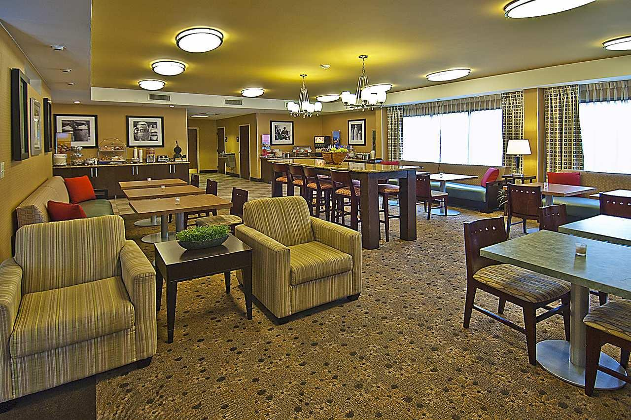 Hampton Inn Biloxi/Ocean Springs image 10