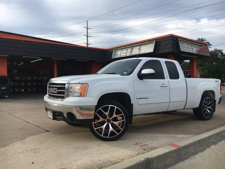 Omar's Wheels & Tires #4 image 3