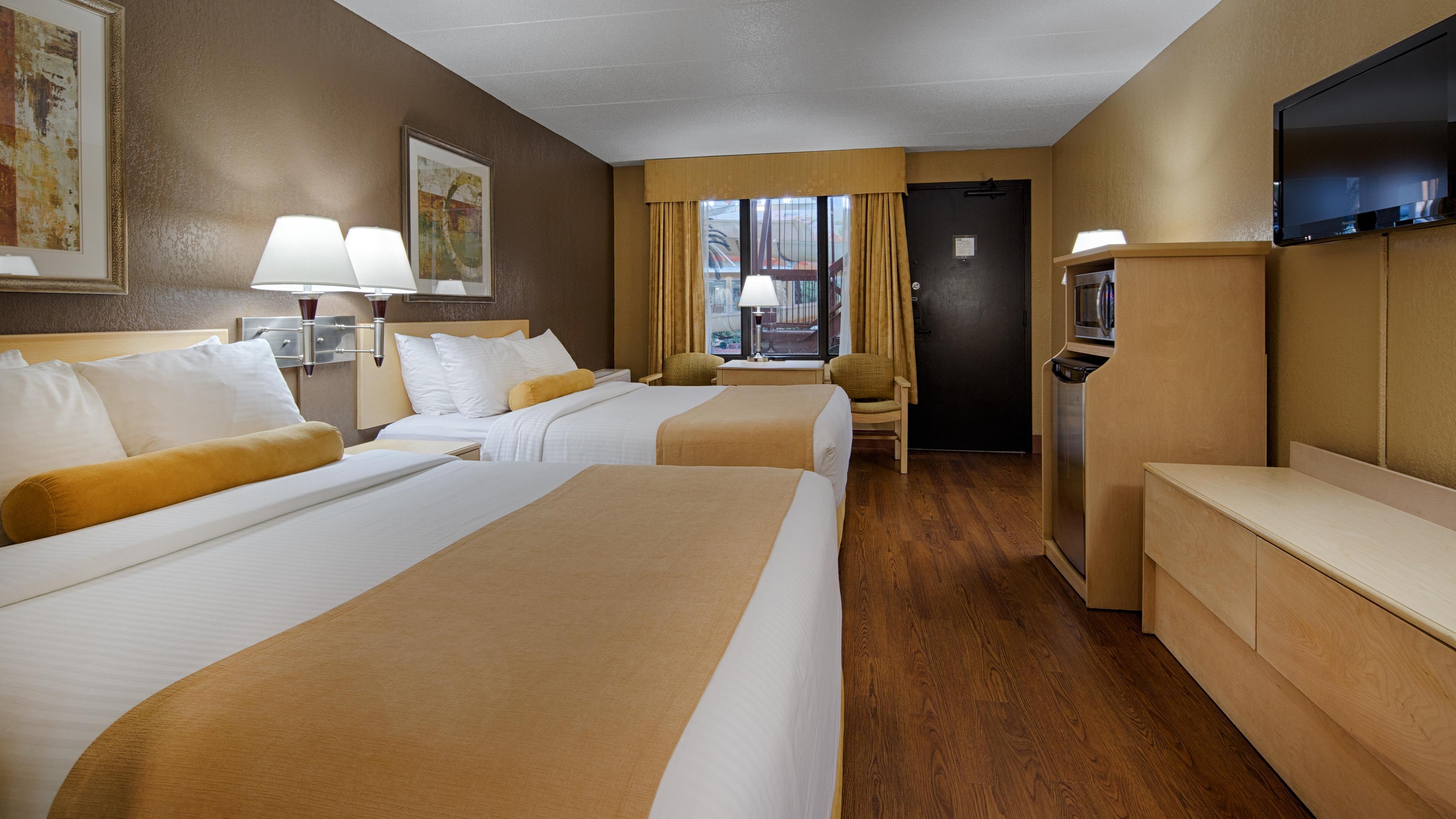 Best Western Seven Oaks Inn in Regina: Two Queen Bed Guest Room