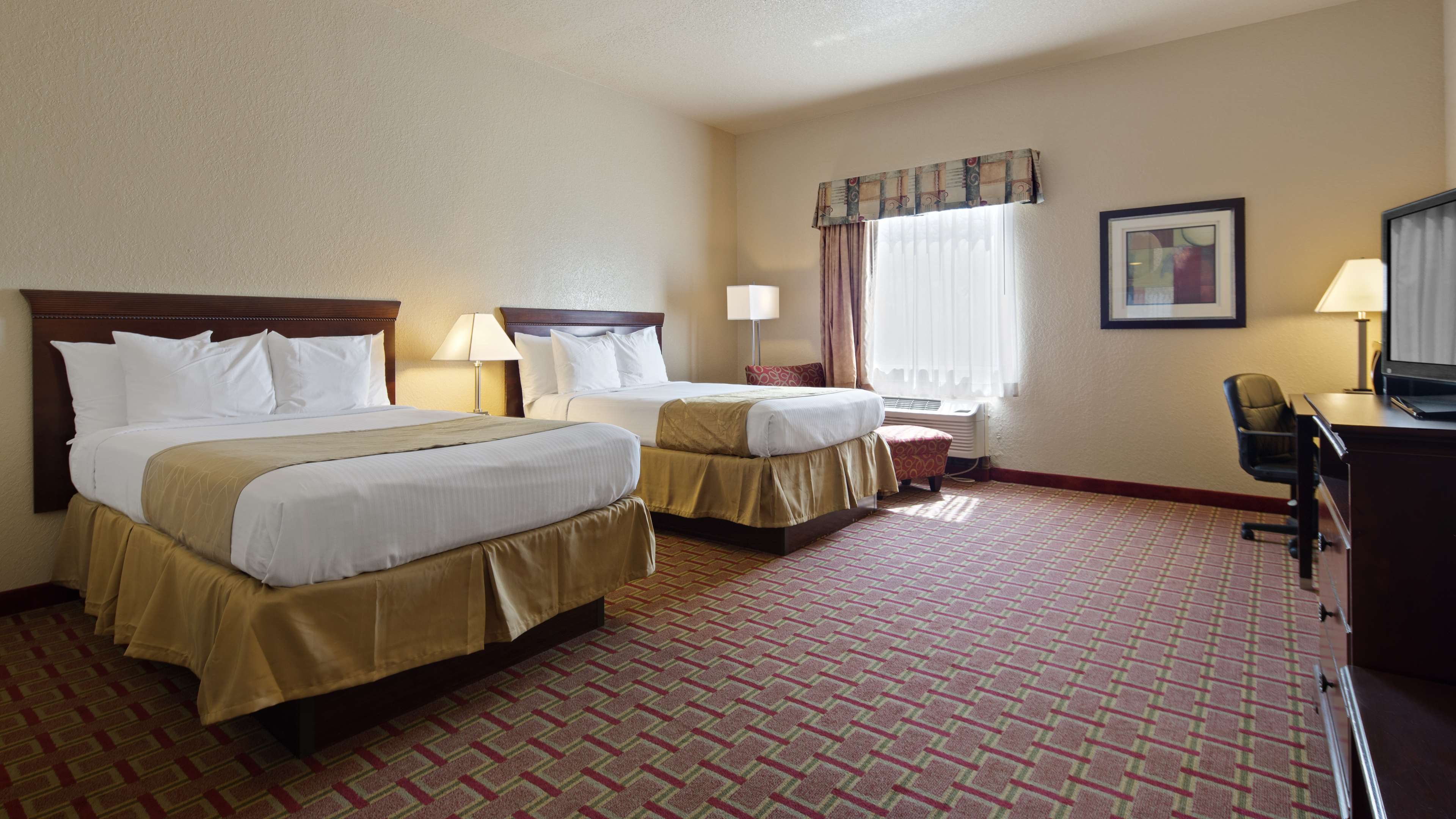Best Western Tampa image 9