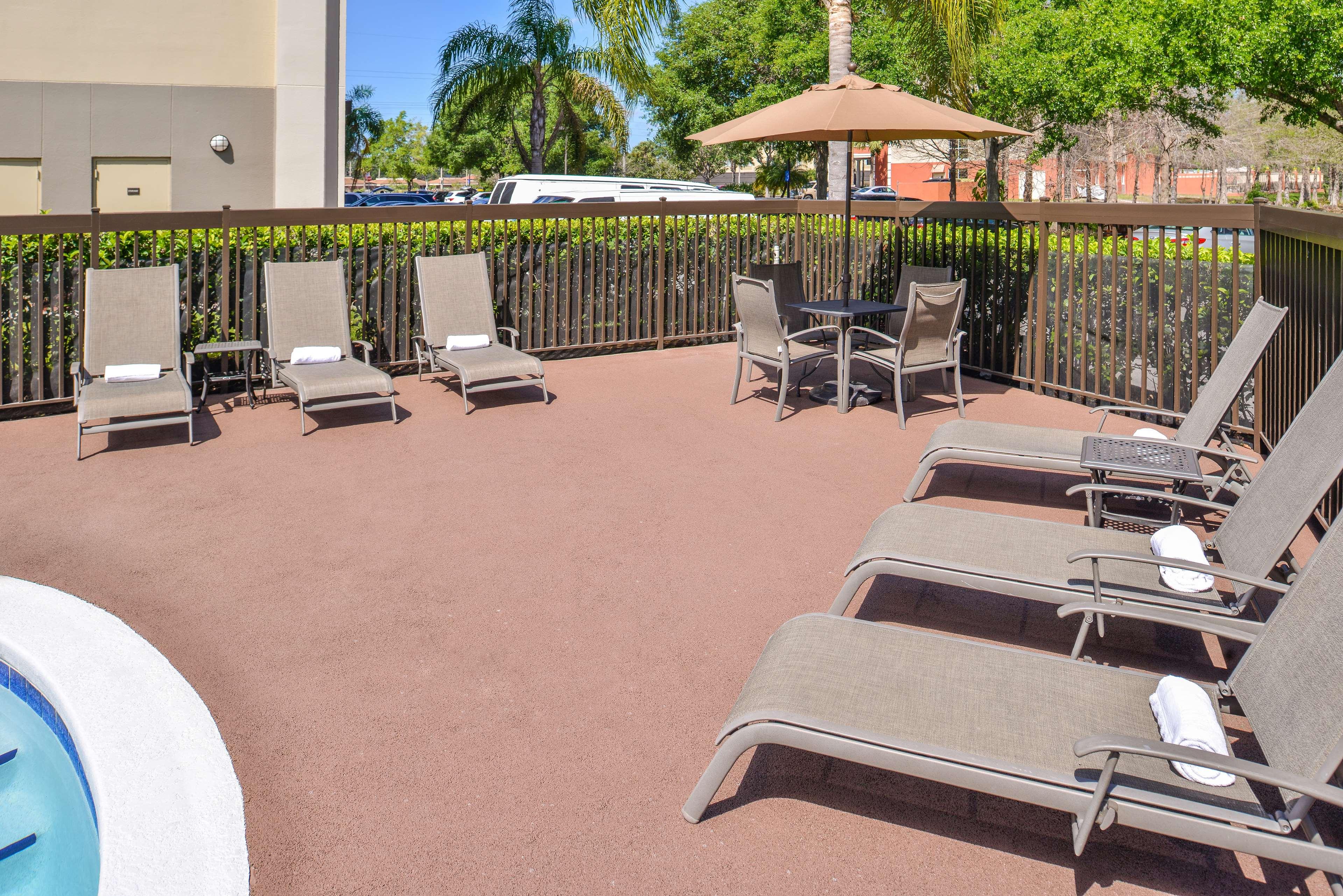 Hampton Inn closest to Universal Orlando image 5