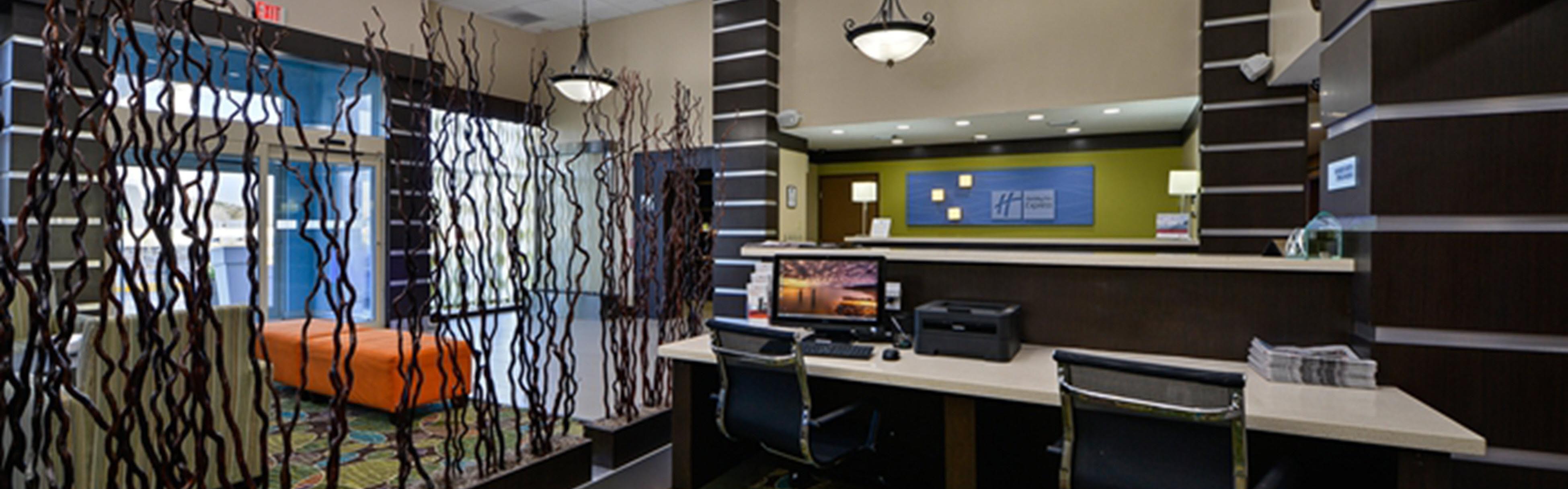 Holiday Inn Express & Suites Kingwood - Medical Center Area image 0