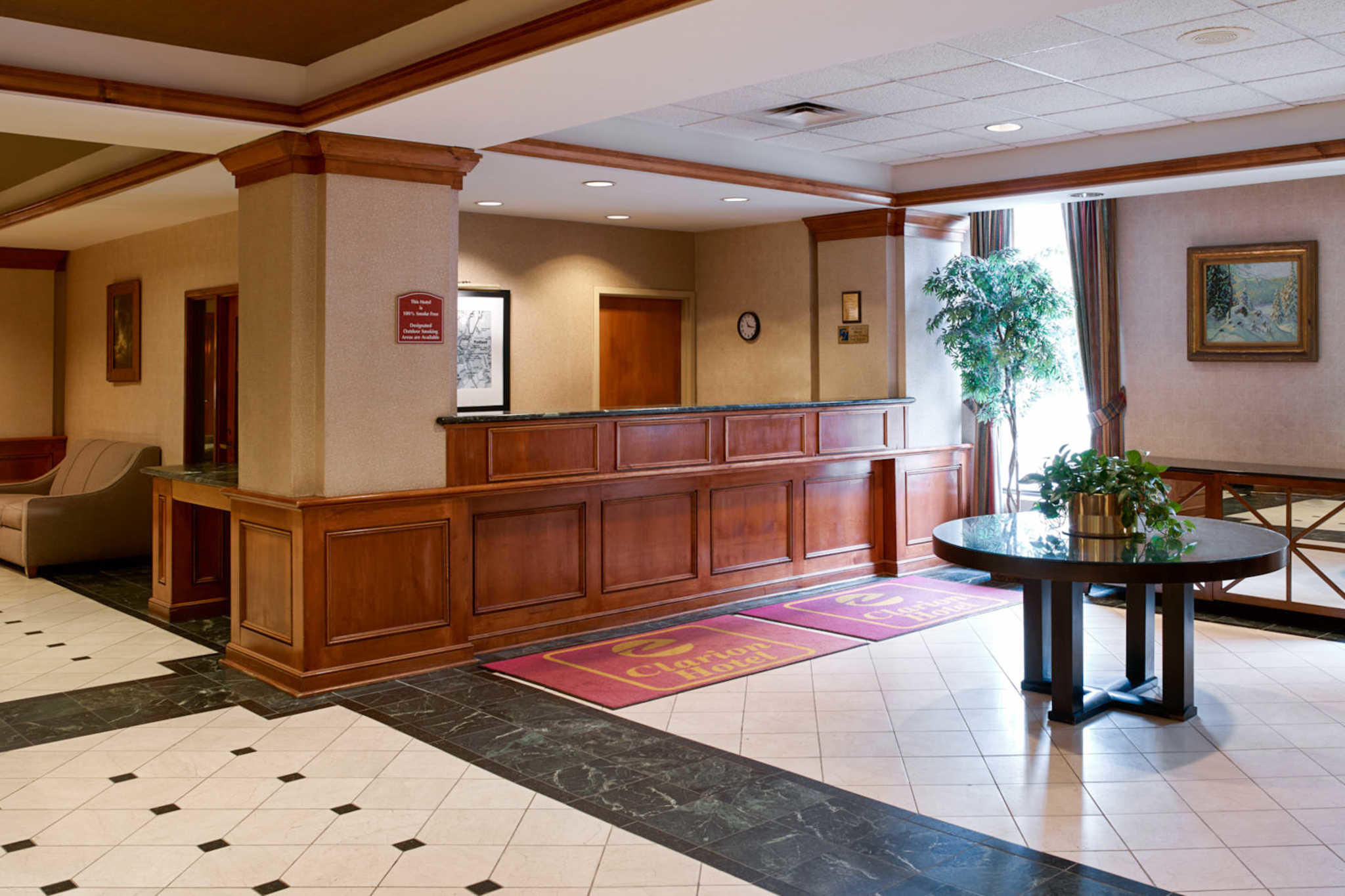 Clarion Hotel Airport image 3