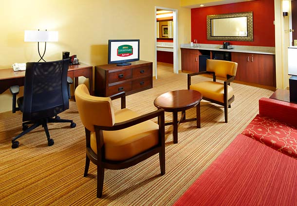 Courtyard by Marriott Columbus Airport image 4