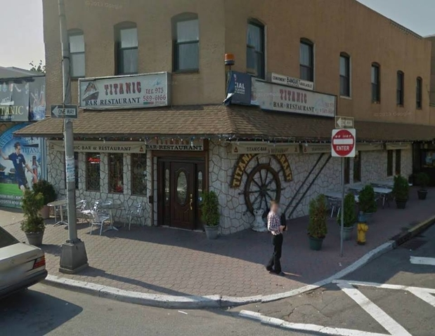 Titanic bar restaurant in newark nj 07105 citysearch for Fish market newark nj
