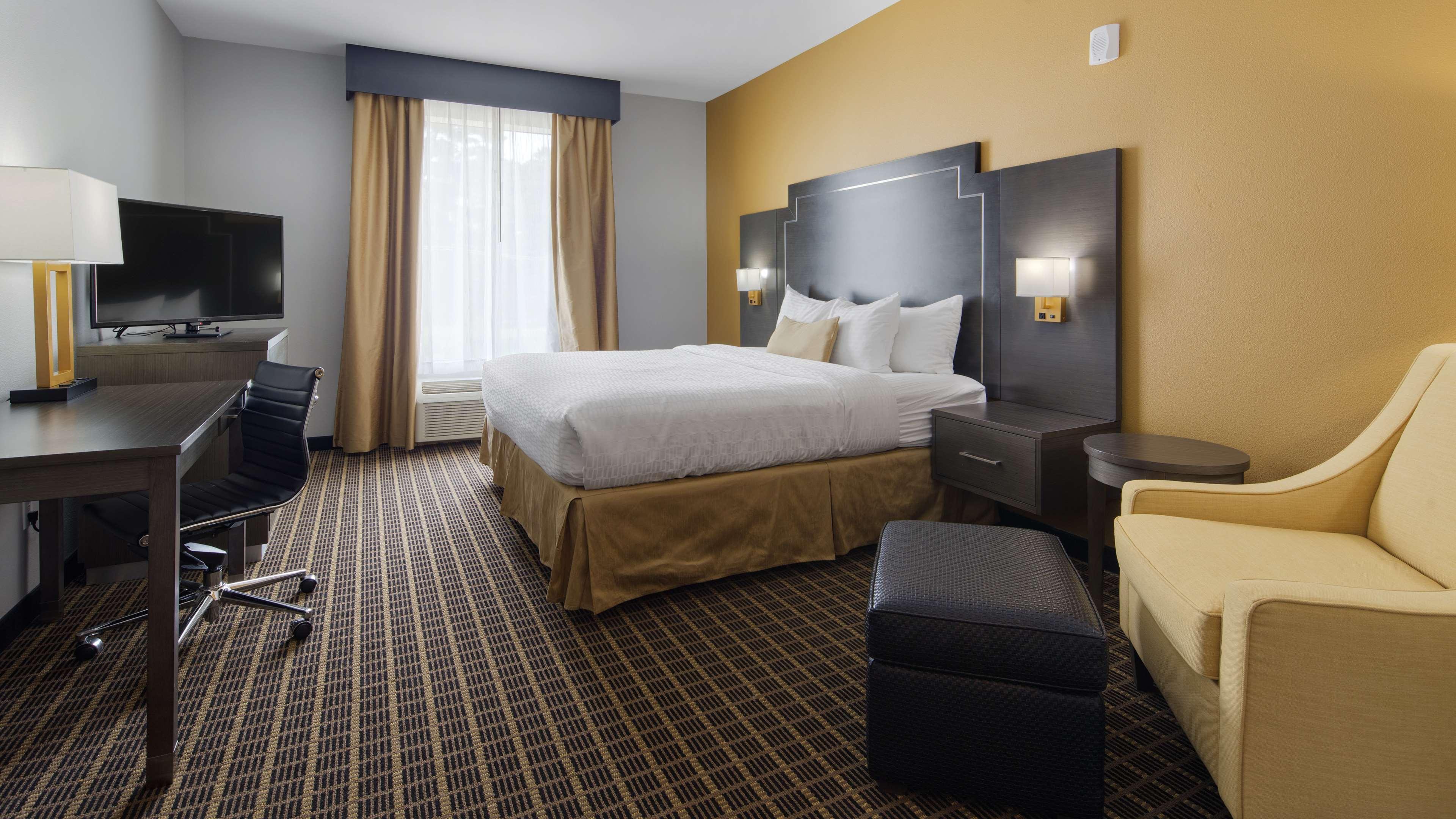 Best Western Plus Regency Park Hotel image 41