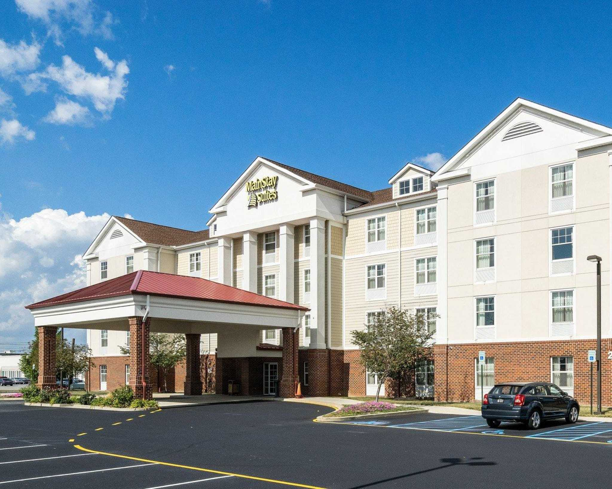 MainStay Suites image 3
