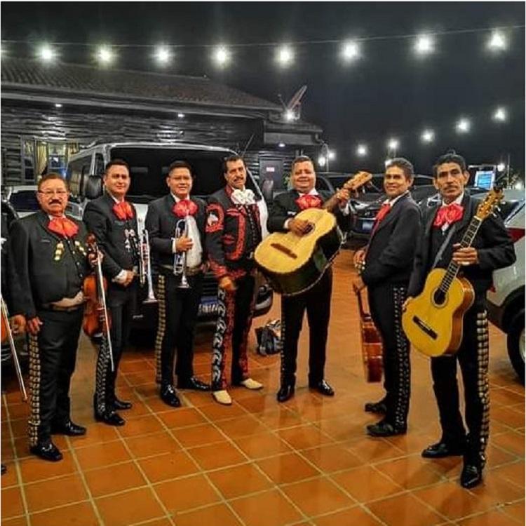 MARIACHI LOS GALLEROS DE EL SALVADOR