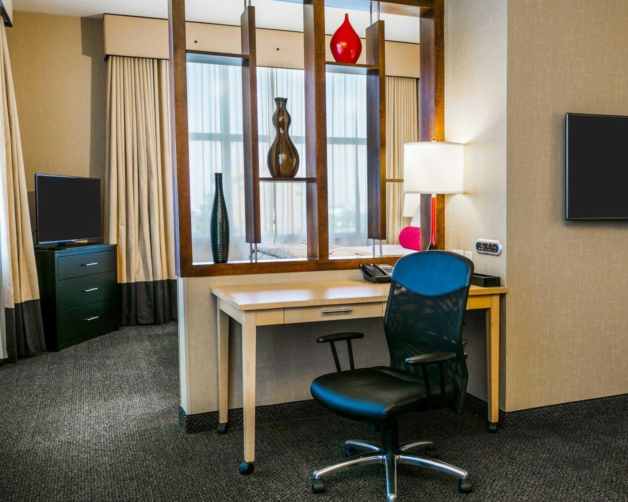 Cambria Hotel Denver International Airport image 15