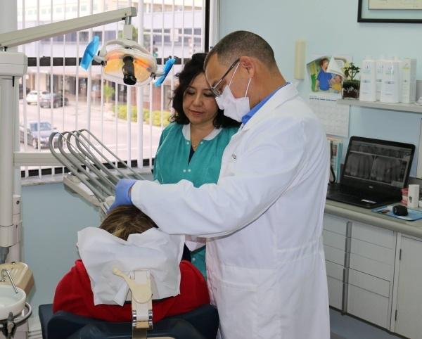 South Miami Smiles - Dr. Reyes & Dr. Tschirhart image 3