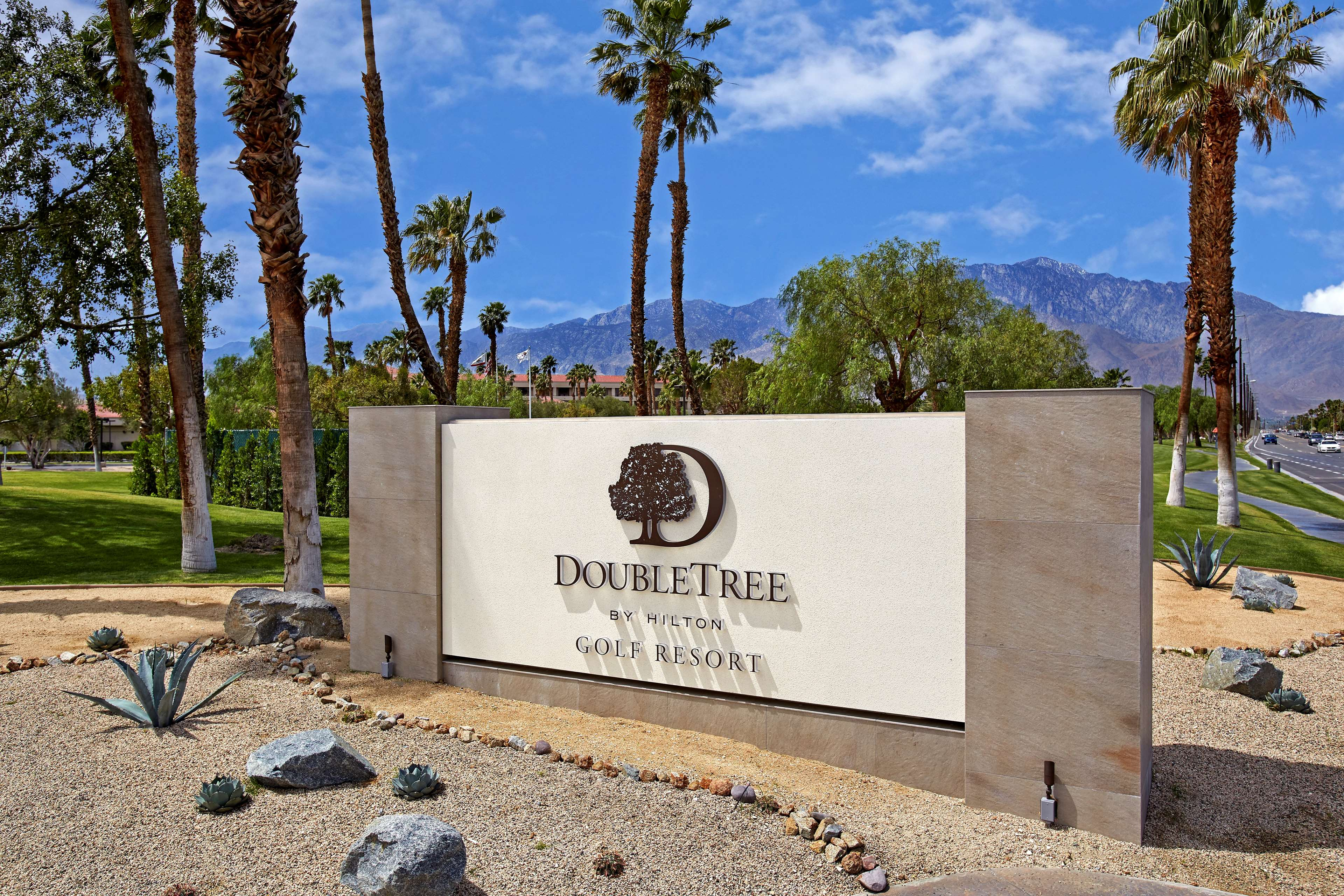 DoubleTree by Hilton Hotel Golf Resort Palm Springs image 3