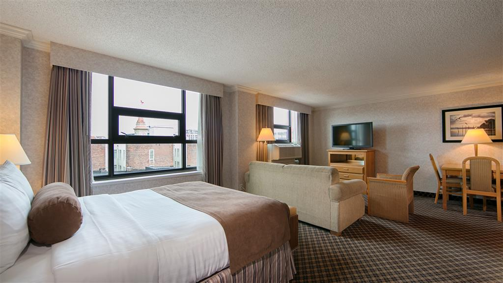 Best Western Plus Carlton Plaza Hotel in Victoria: Studio Queen Room