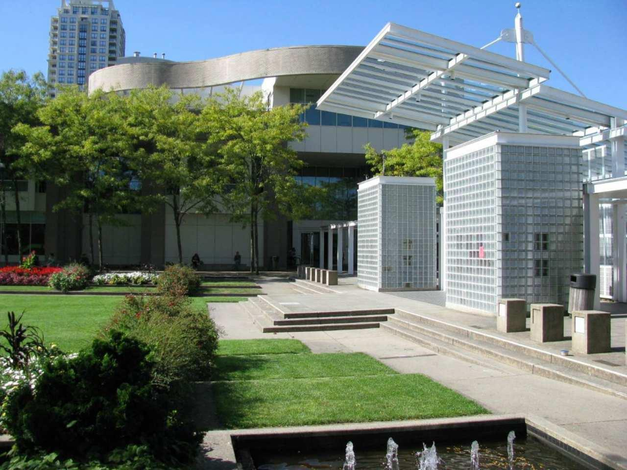 Hilton Vancouver Metrotown in Burnaby: Library