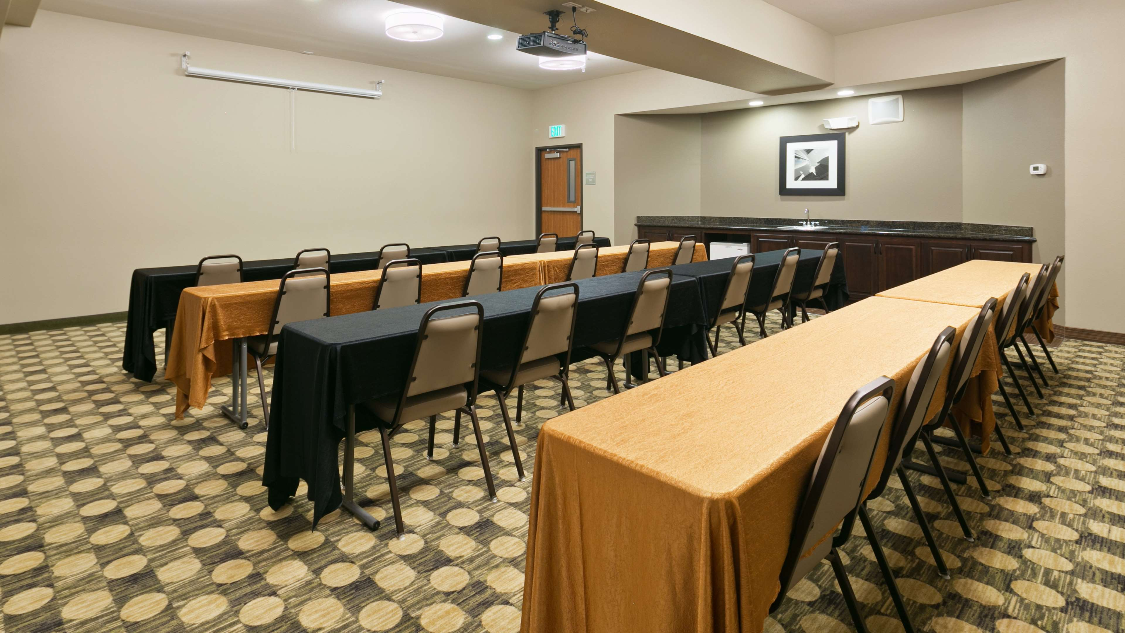 Best Western Plus Parkersville Inn & Suites image 28