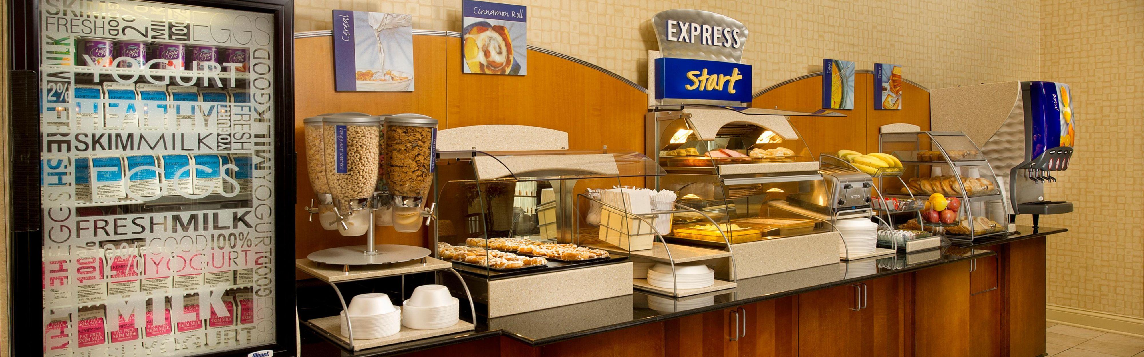 Holiday Inn Express & Suites Schererville image 3