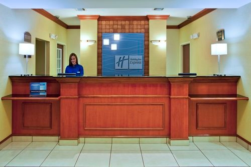 Holiday Inn Express & Suites St. Petersburg North (I-275) image 3