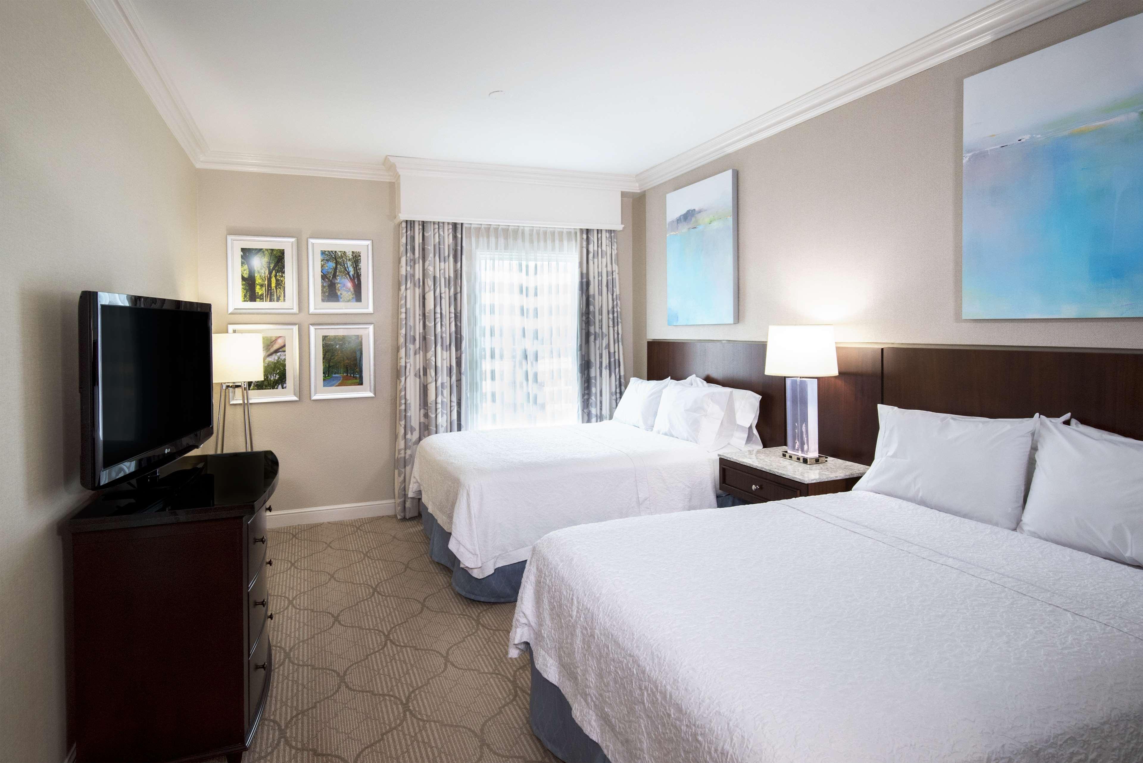 Hampton Inn & Suites Charlotte/South Park at Phillips Place image 41
