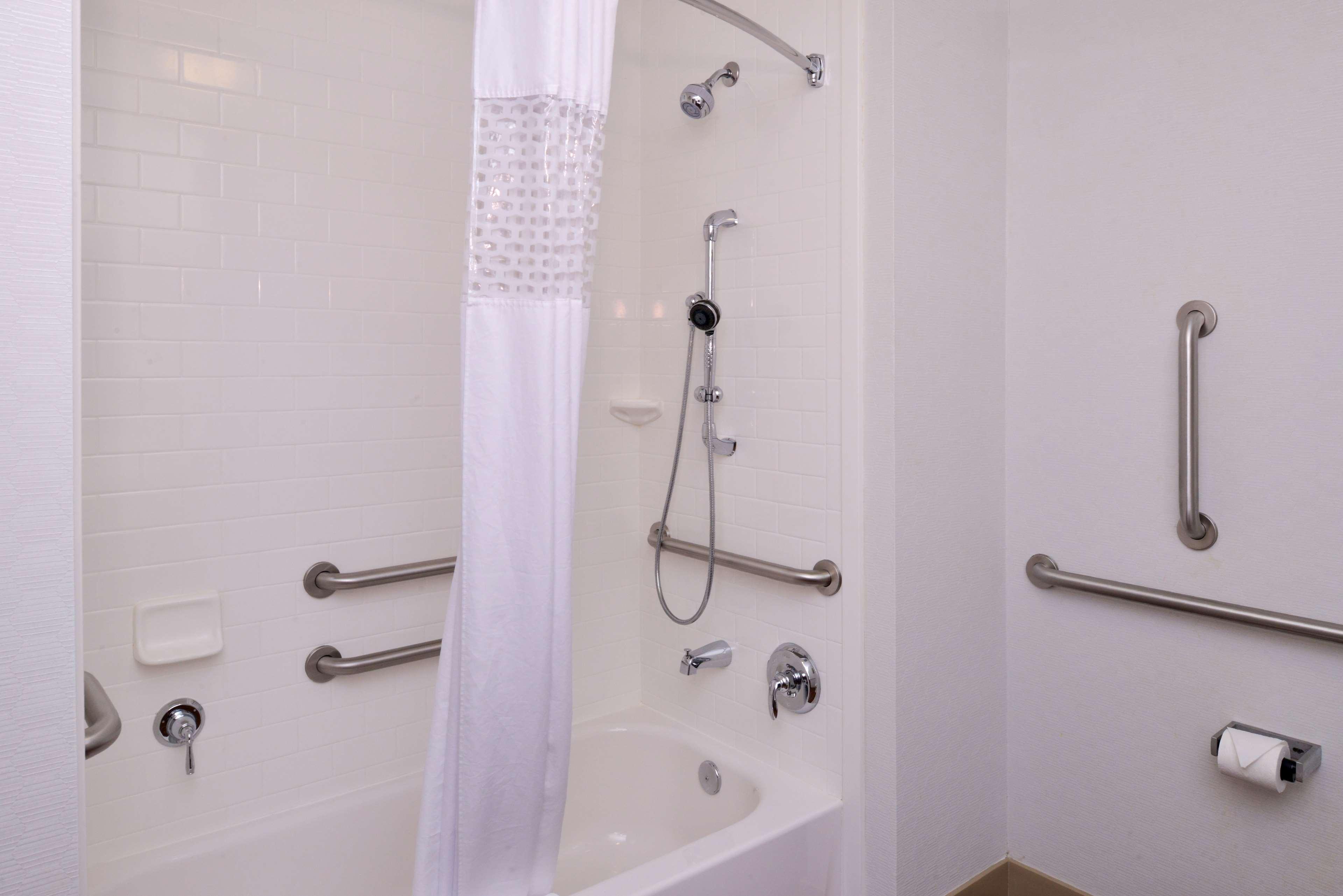 Hampton Inn & Suites Lonoke image 21