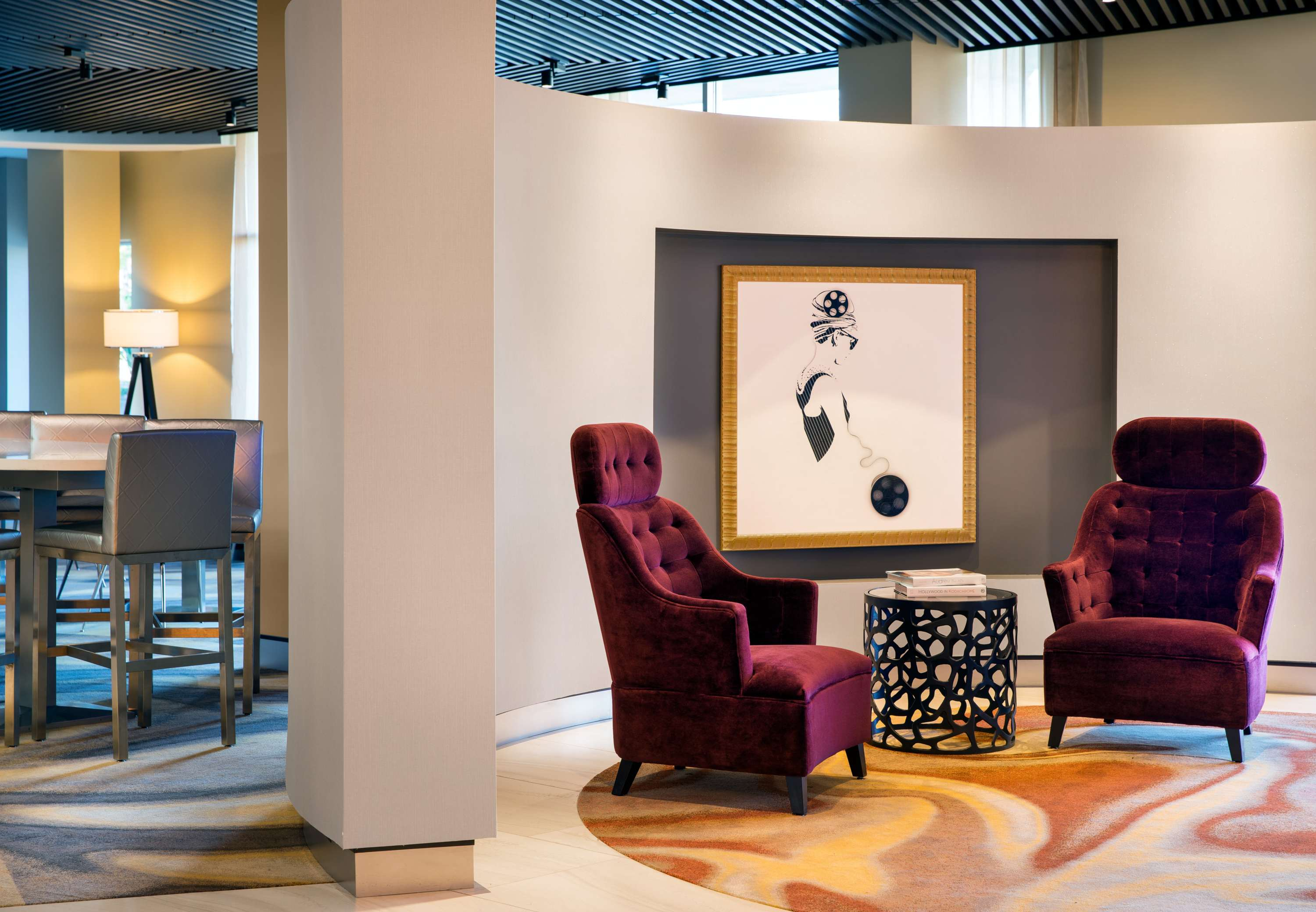 Art Details Lobby Artwork - Inspired by some of Hollywood's favorite icons, our hotel features beautiful artwork of Audrey Hepburn and Marilyn Monroe.