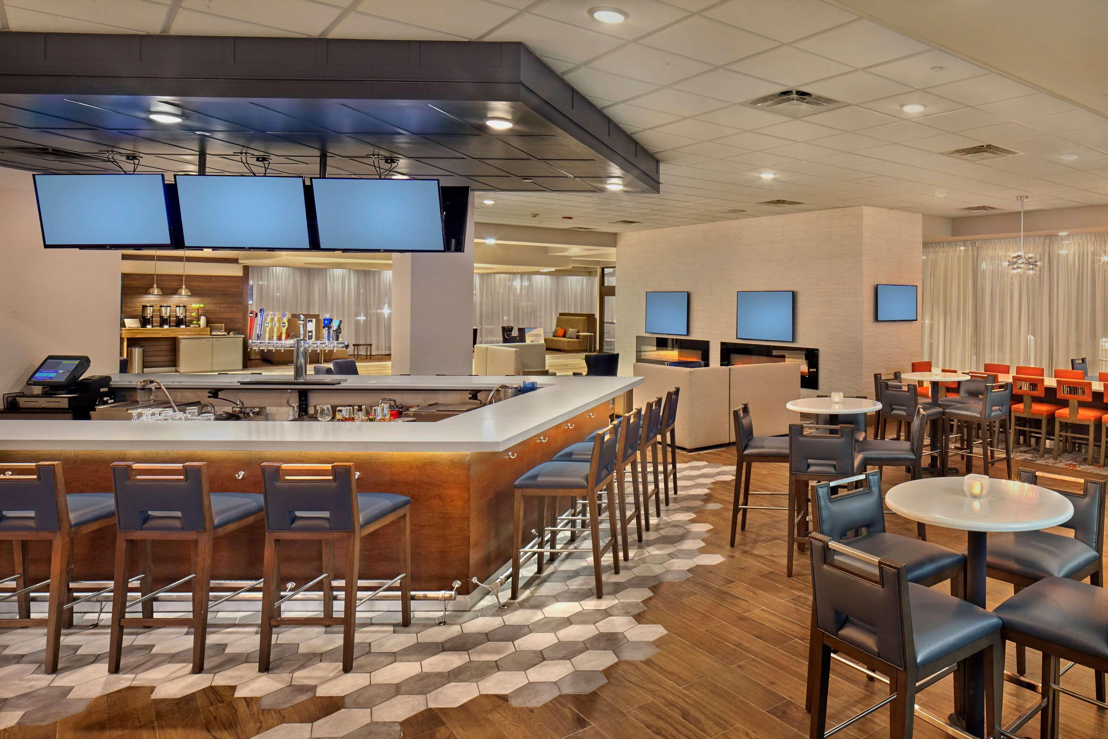 DoubleTree by Hilton Hotel Little Rock image 42