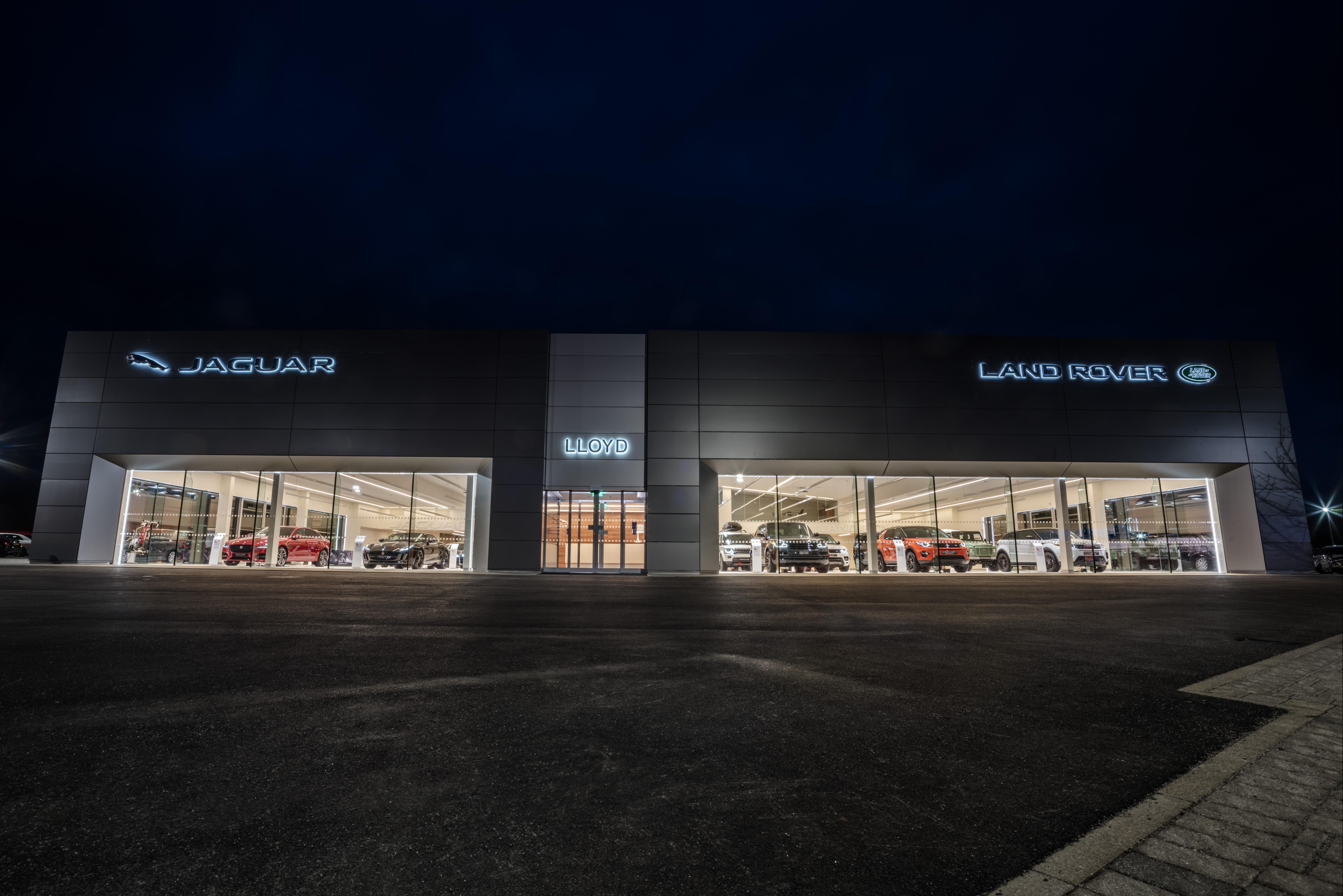 lloyd land rover carlisle car dealerships carlisle. Black Bedroom Furniture Sets. Home Design Ideas