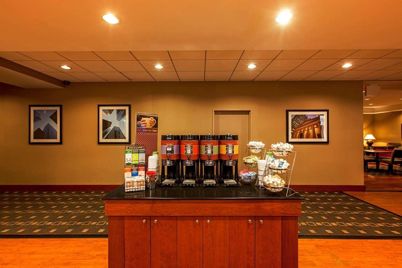 Hampton Inn New York - LaGuardia Airport image 6