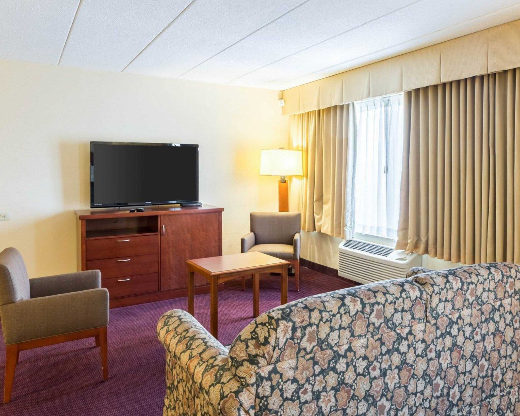 Clarion Hotel image 32