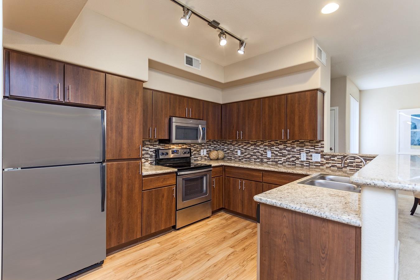 Camden Montierra Apartments image 10