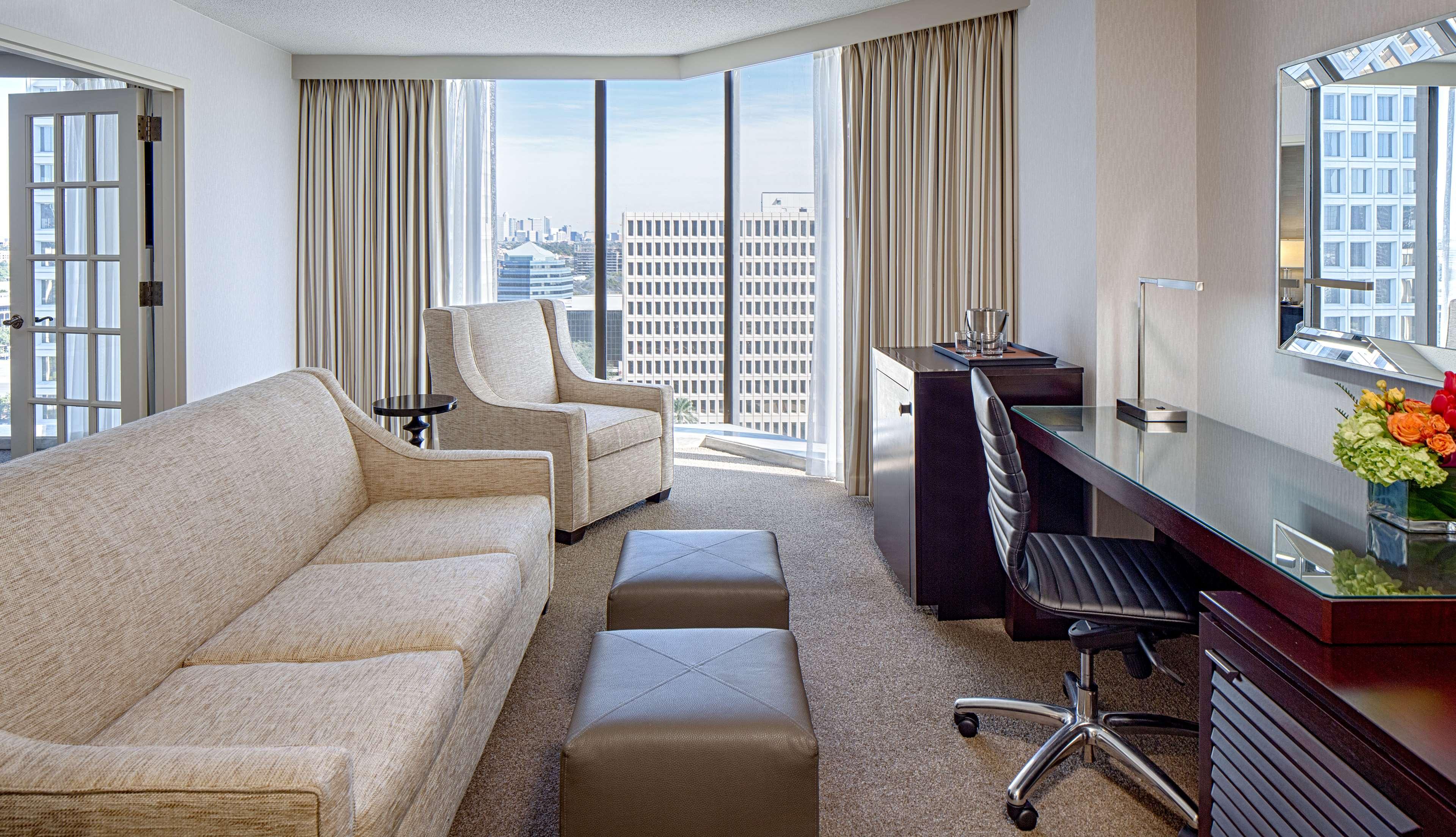 DoubleTree by Hilton Hotel Houston - Greenway Plaza image 32