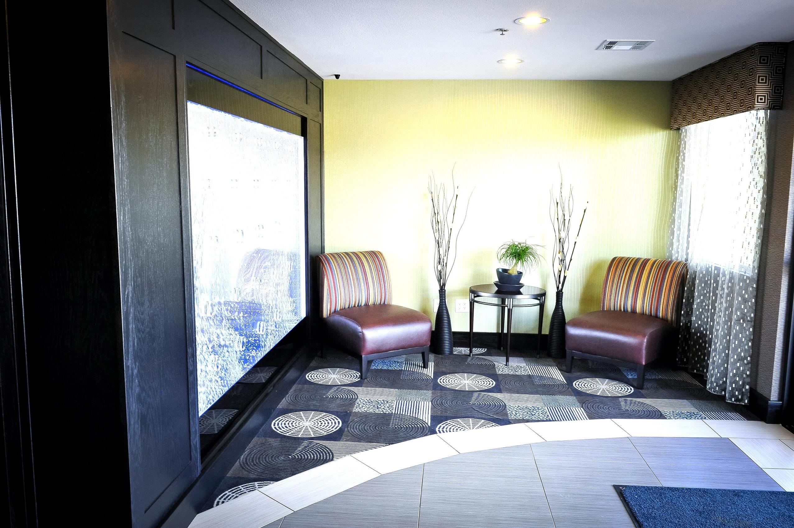 Best Western Plus Arlington North Hotel & Suites image 4