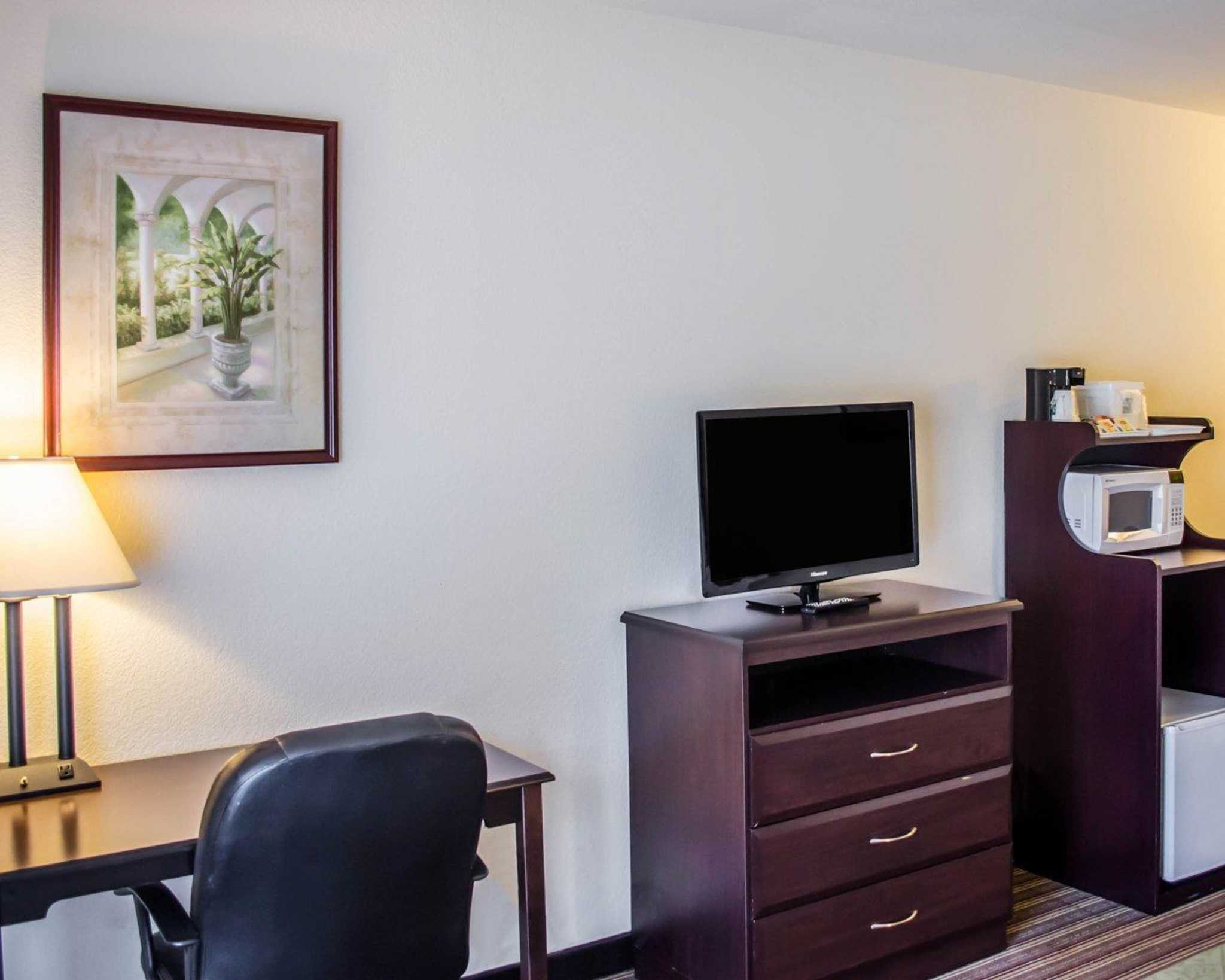 Quality Inn & Suites Pensacola Bayview in Pensacola, FL, photo #33