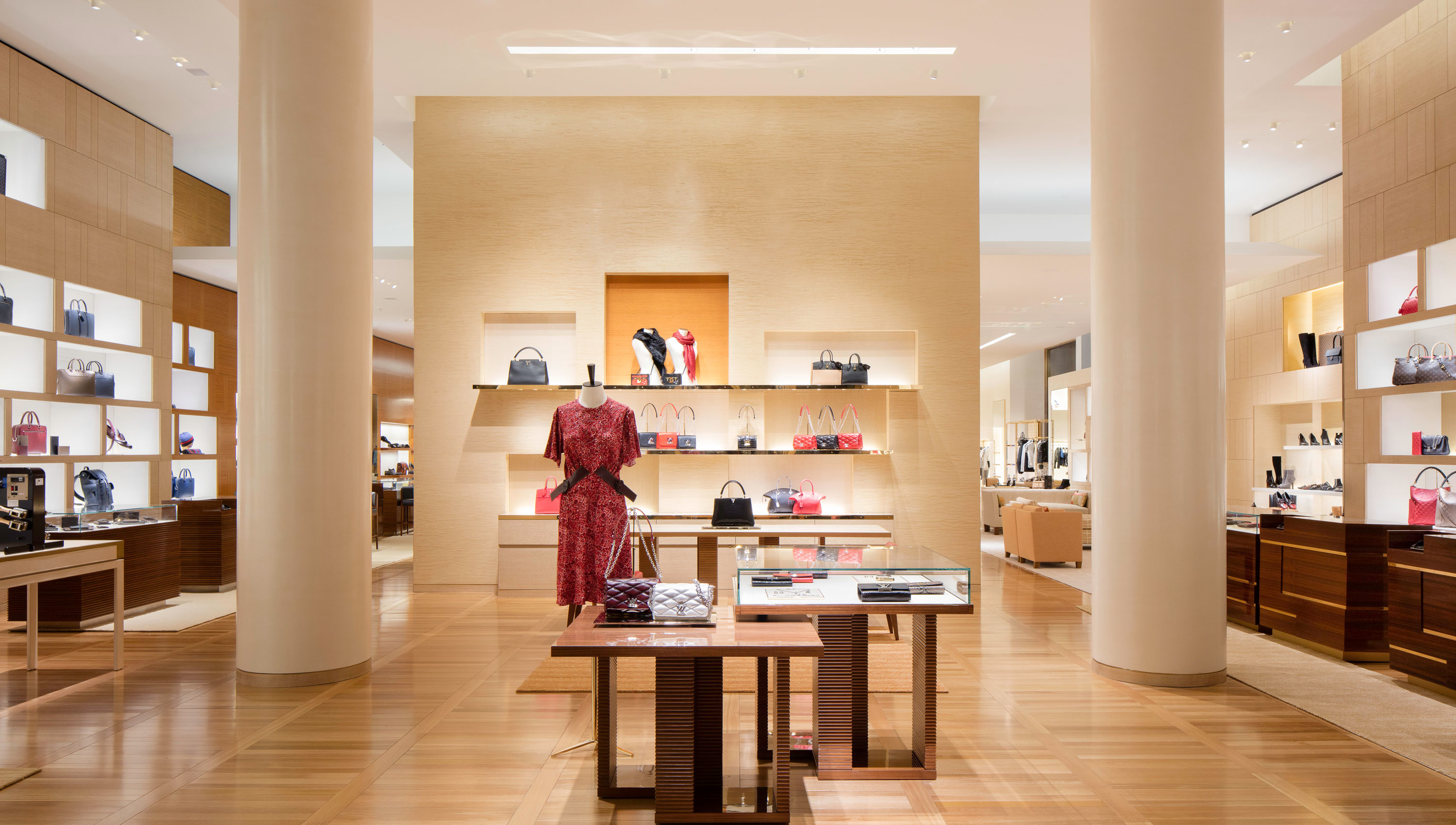 Louis Vuitton Manhasset image 1