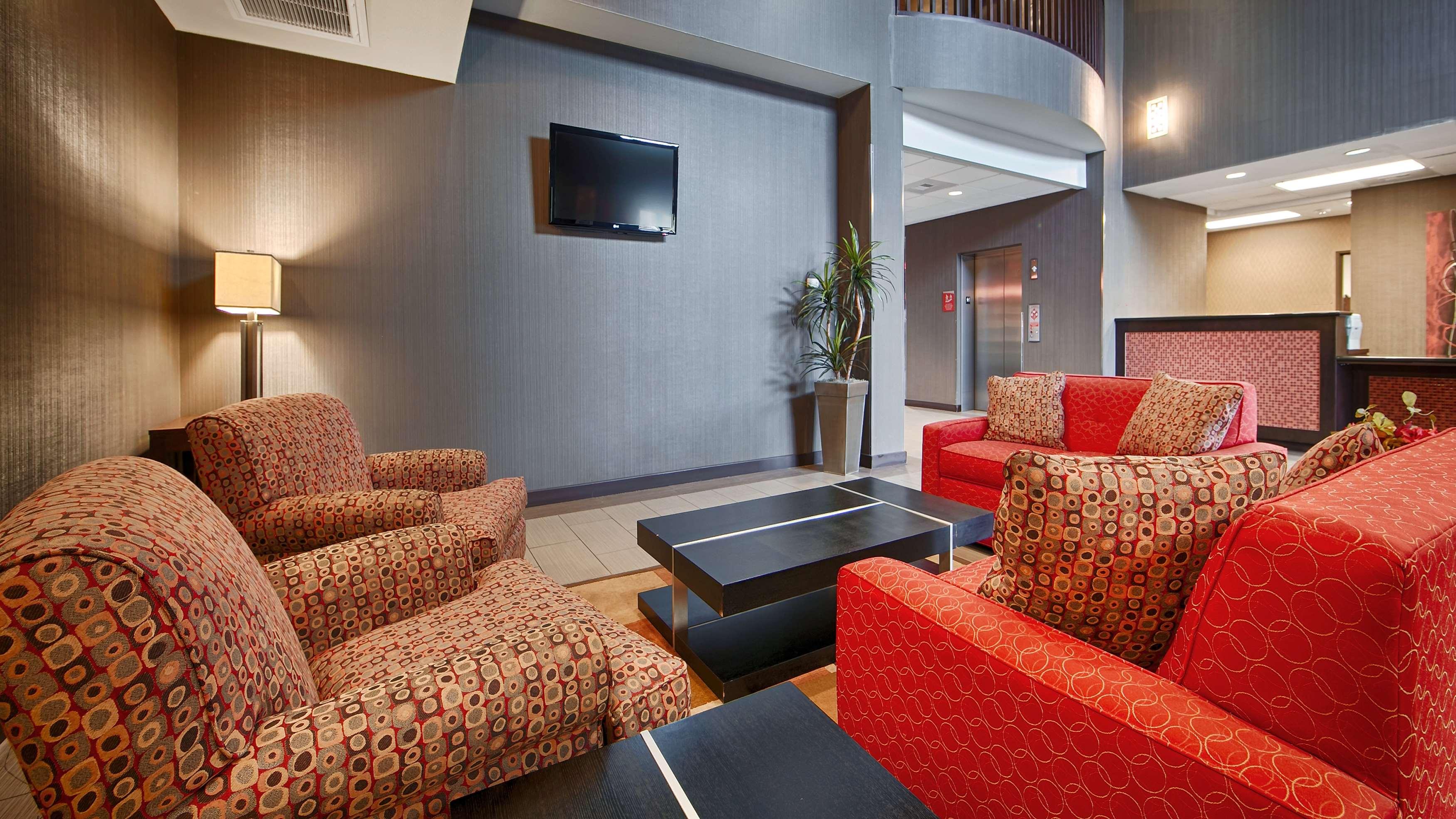 Best Western Plus Austin Airport Inn & Suites image 2