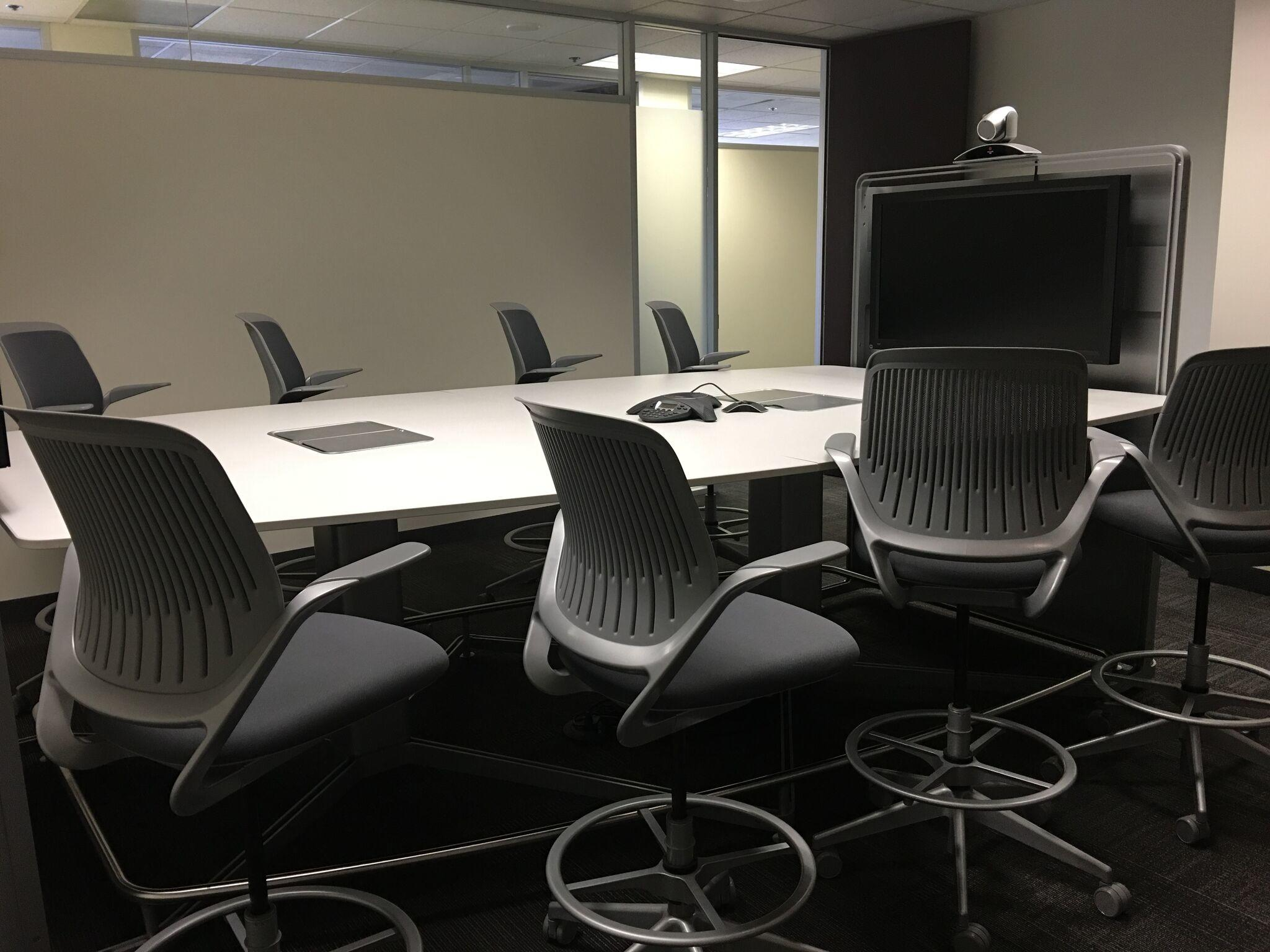 Executive Workspace image 6