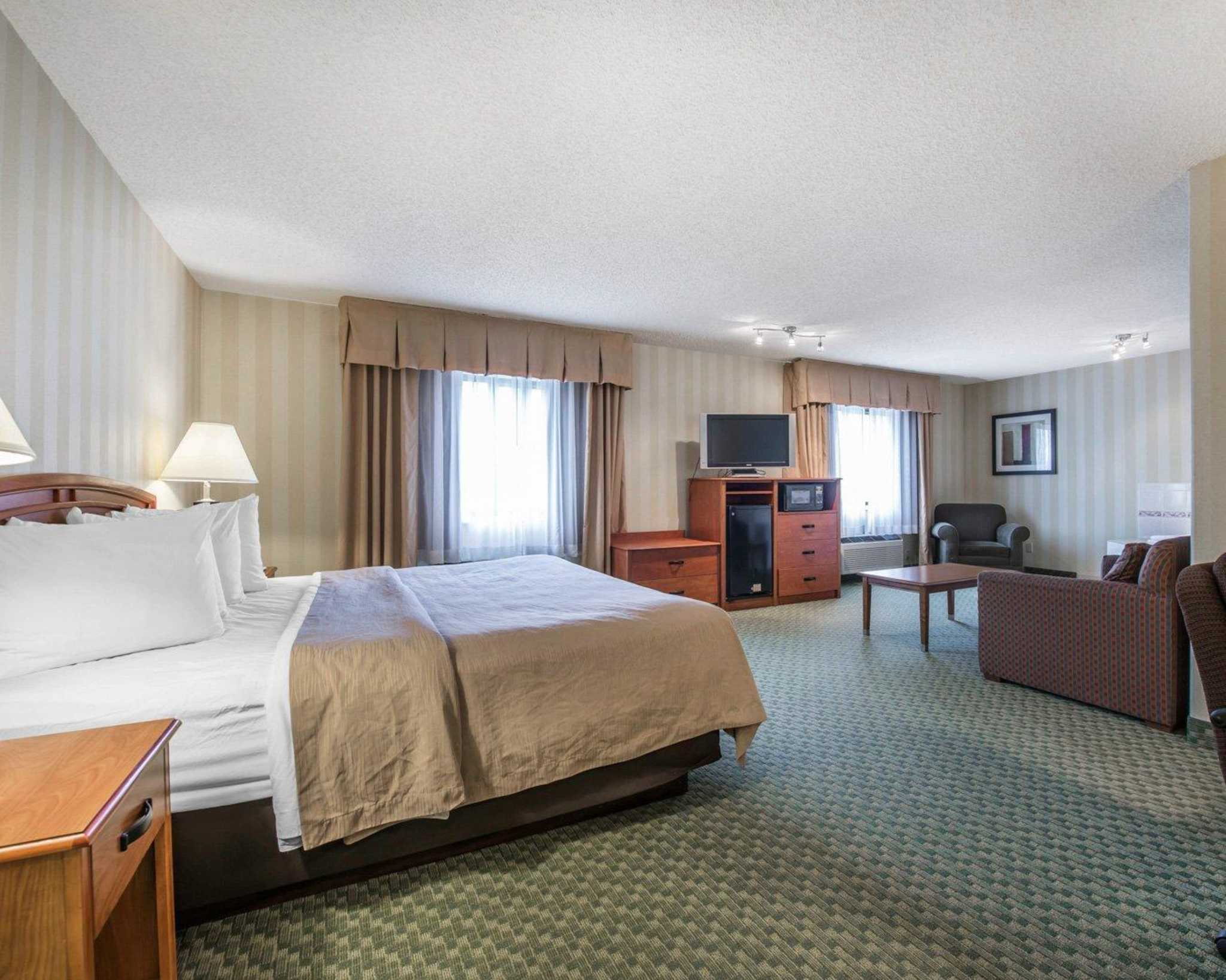 Quality Inn Colorado Springs Airport image 23