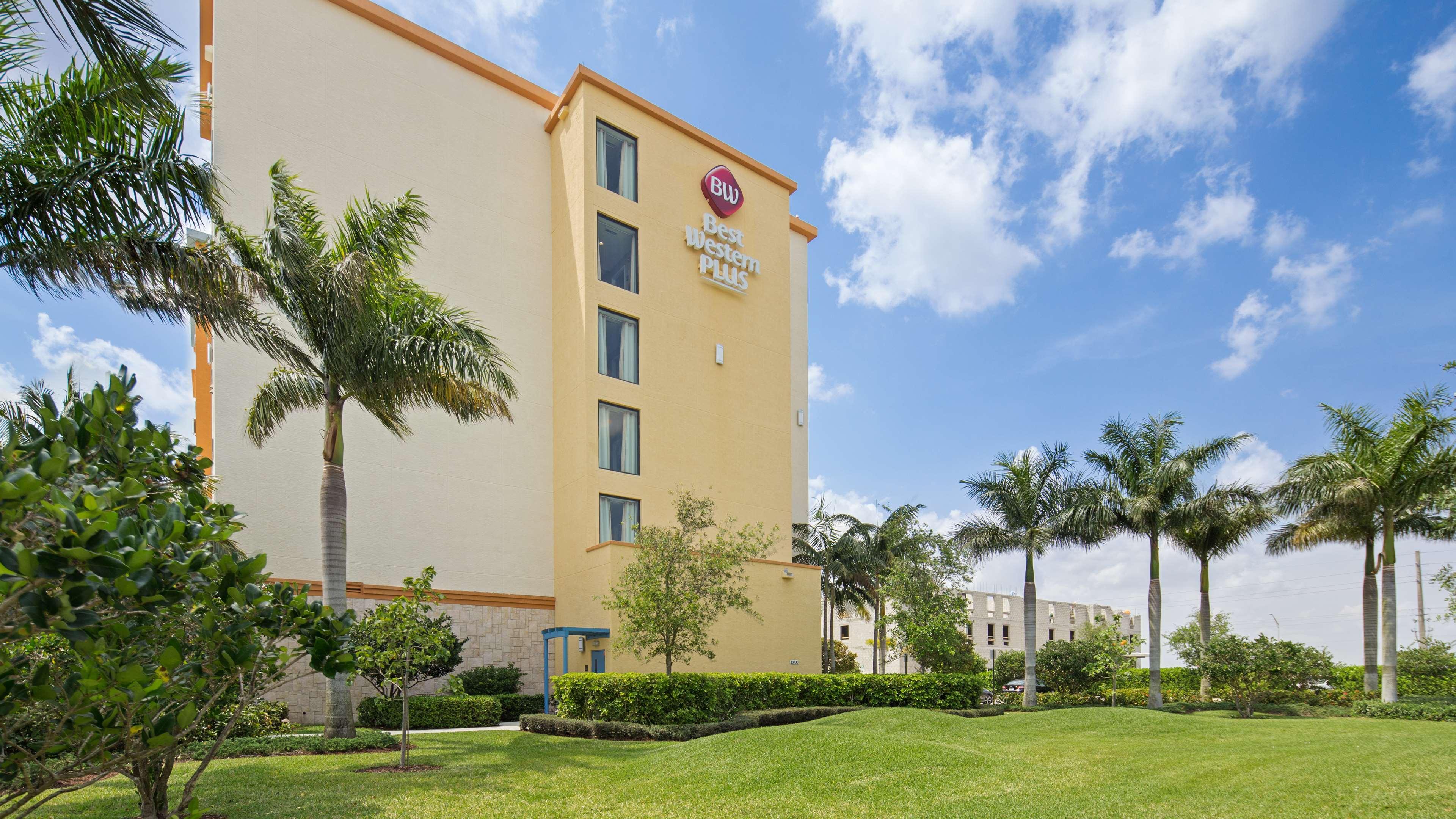Best Western Plus Kendall Airport Hotel & Suites image 13