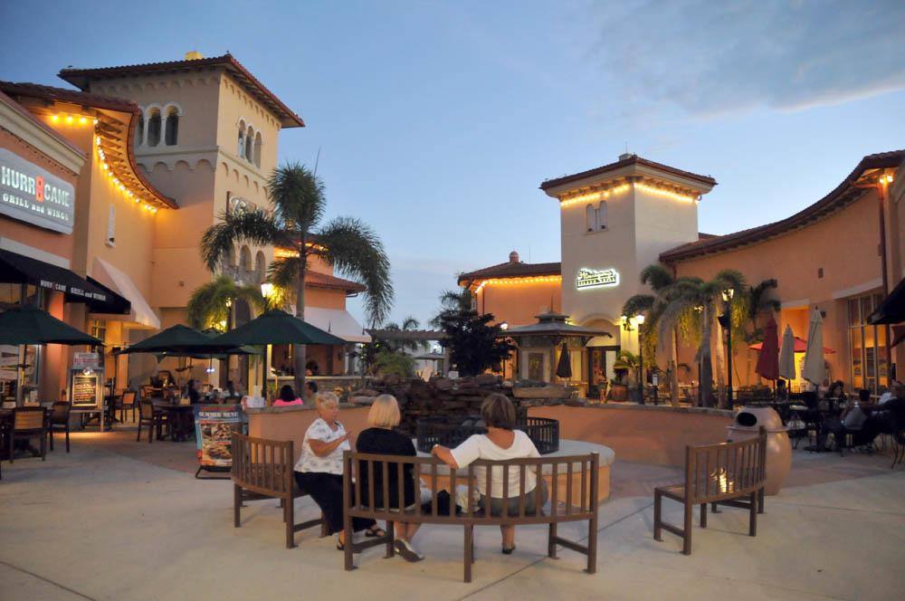 Restaurants Near Coconut Point Mall Estero Florida
