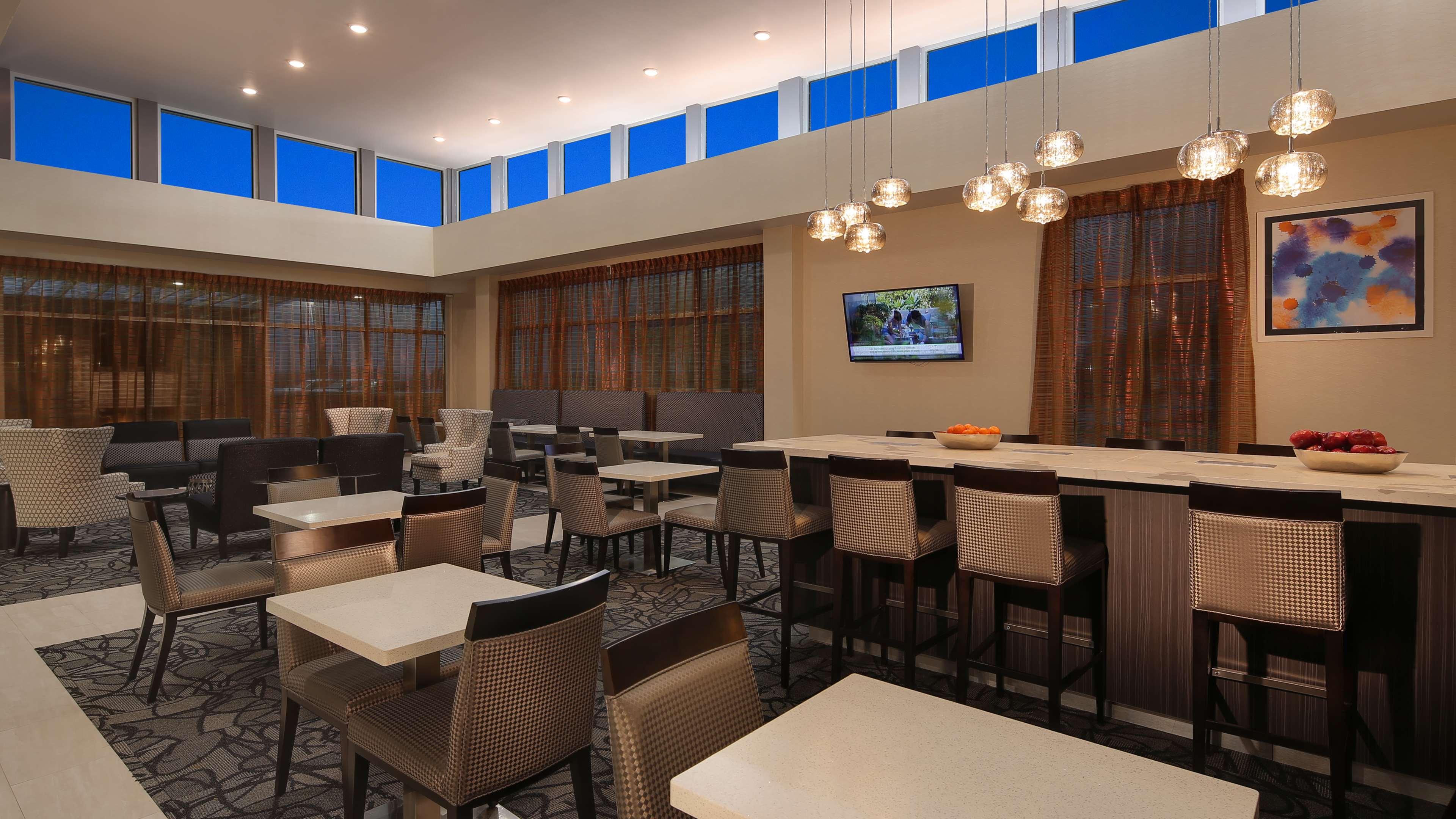 Best Western Plus Executive Residency Baytown image 16