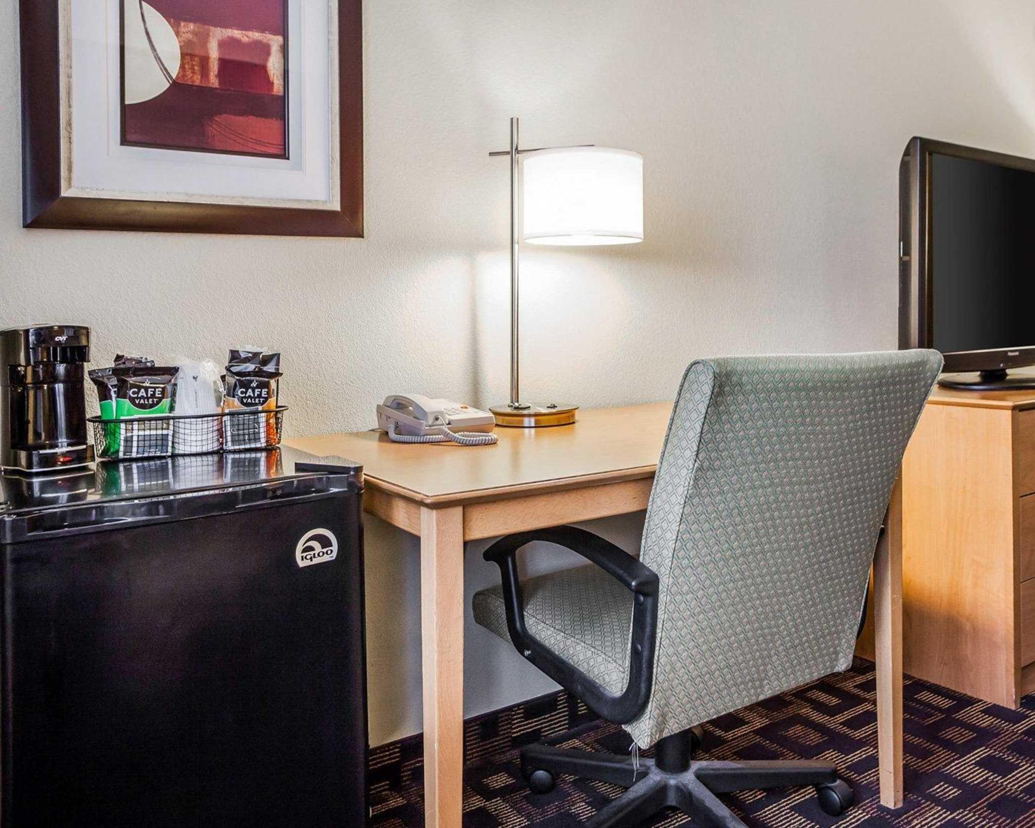 Quality Inn & Suites Des Moines Airport image 10
