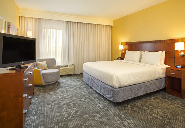 Courtyard by Marriott Austin Airport image 9