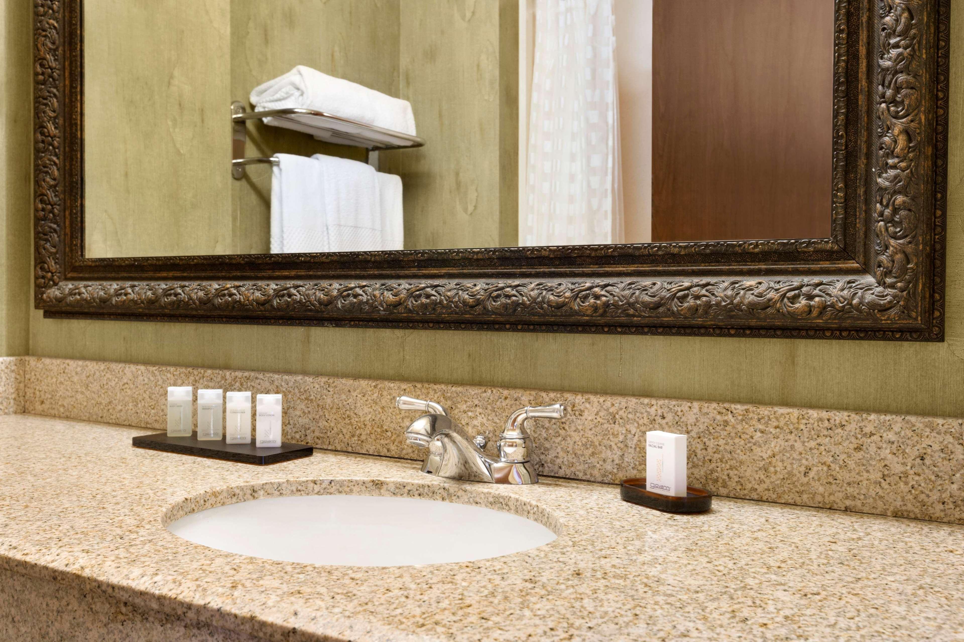 Embassy Suites by Hilton Albuquerque Hotel & Spa image 37