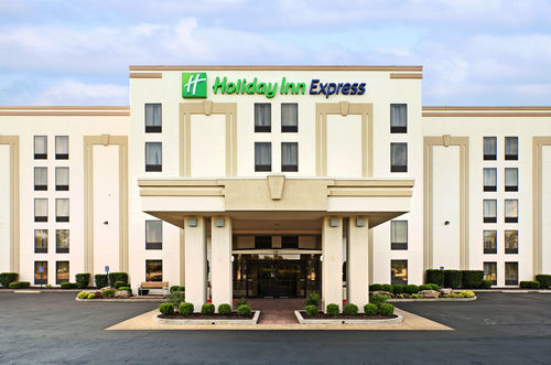 Holiday Inn Express Suites Fayetteville Univ Of Ar Area At 1251 North Shiloh Drive