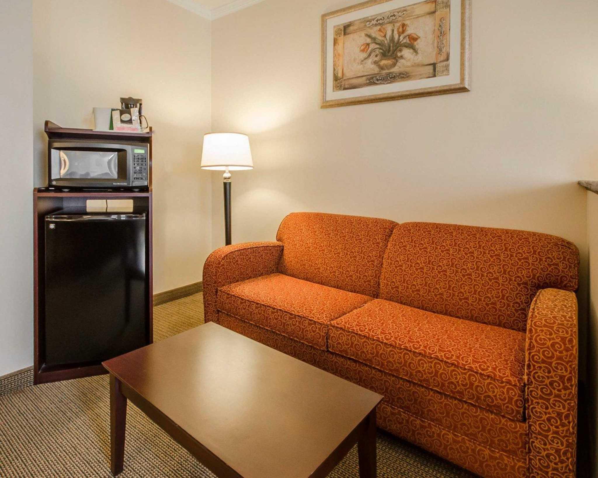 Quality Suites image 4