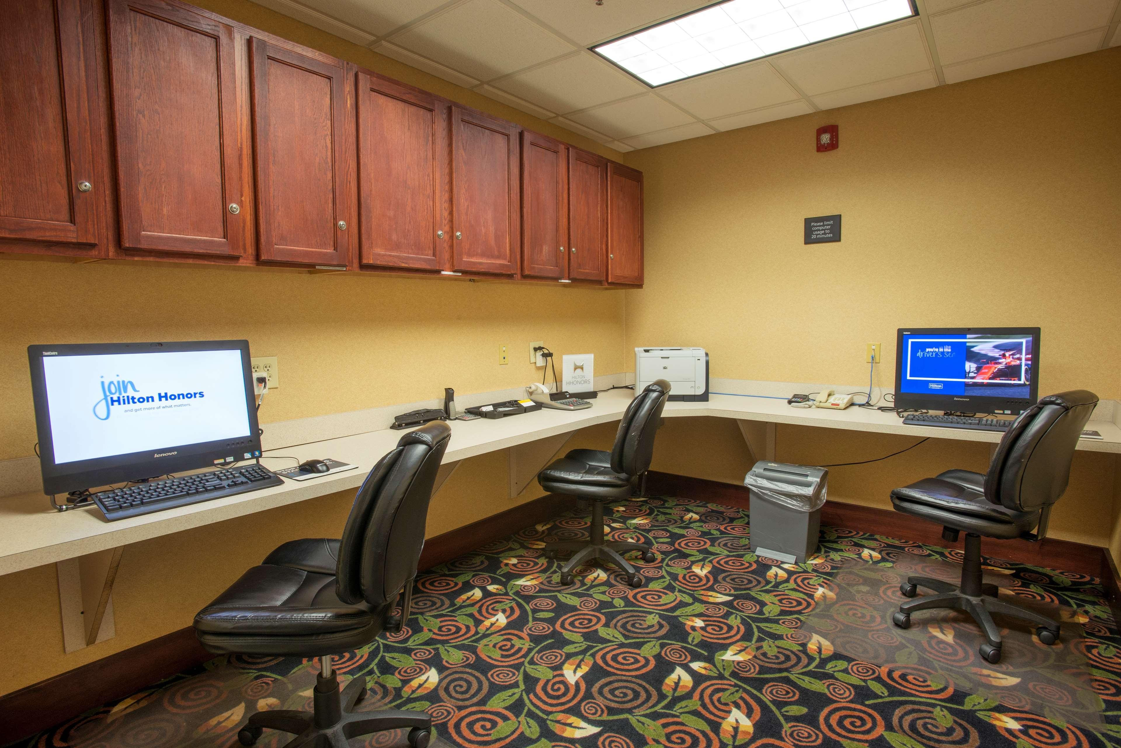 Hampton Inn & Suites Dayton-Airport image 38