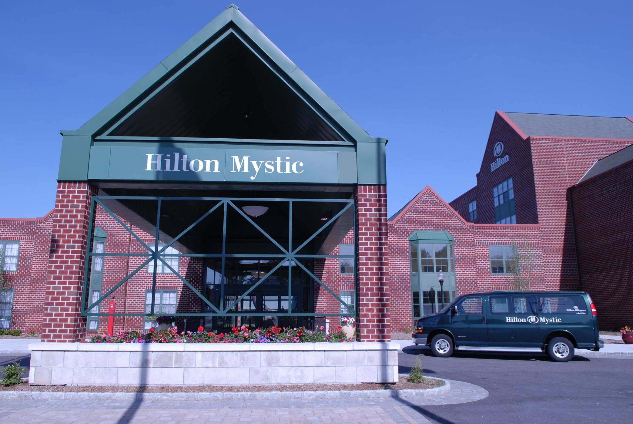 hilton mystic at 20 coogan boulevard mystic ct on fave. Black Bedroom Furniture Sets. Home Design Ideas